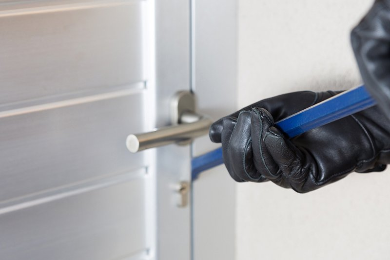 3 Reasons Why Burglars Target Apartments and Condos