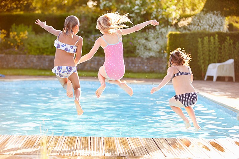 How to Keep Your Children Safe at the Pool